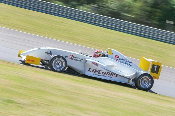 Fórmula Academy Sudamericana realiza penúltima etapa em Cascavel